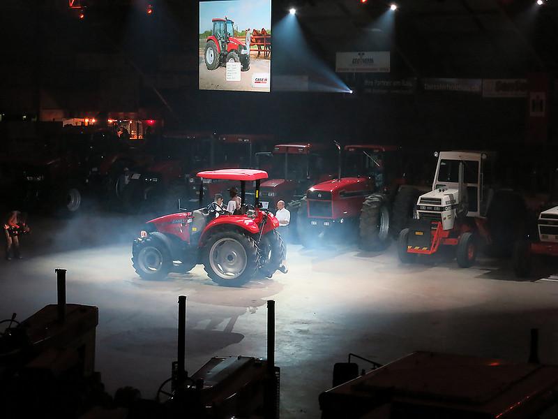 07 Red Power Tractor Show Düdingen 2013
